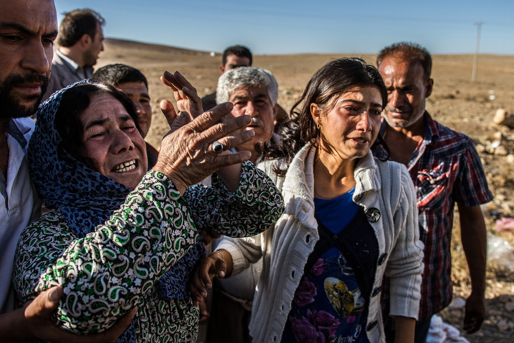 Refugees fleeing from ISIS in Kobane. Source: Sebastian Backhaus, CreativeCommons