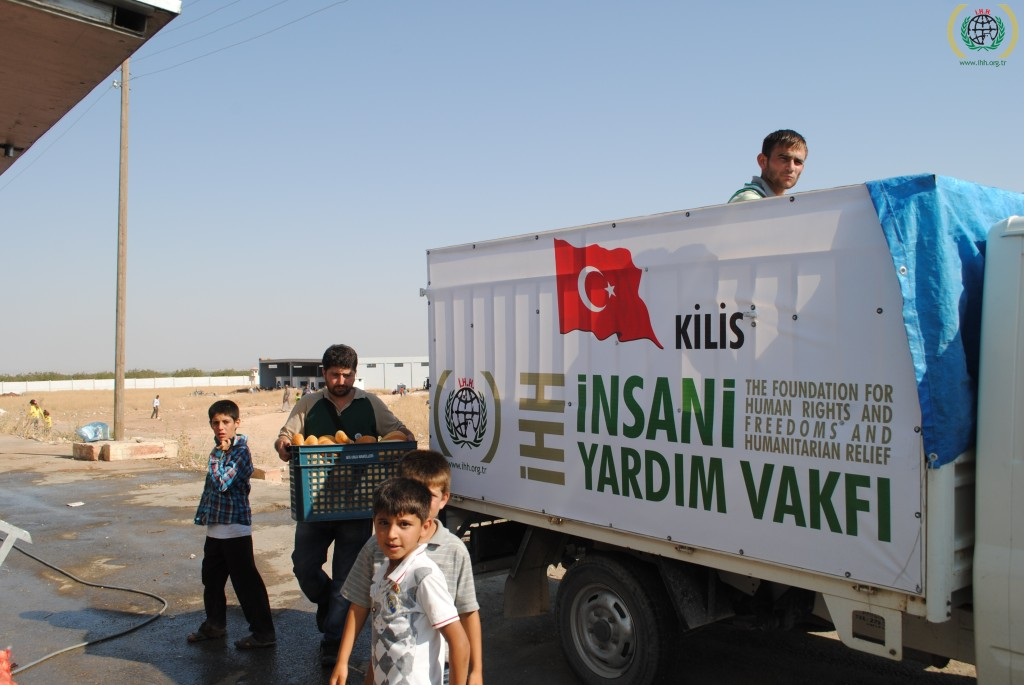 Relief effort for Syrian refugees in Kilis, southern Turkey. August 2012. Source: IHH Humanitarian Relief Foundation's Photostream, Creative Commons