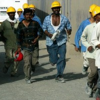 800px-Burj_Dubai_Construction_Workers_on_4_June_2007